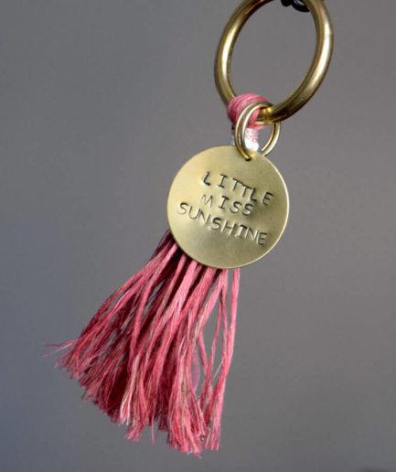 Schlüsselanhänger Personalisiert rosa Quaste