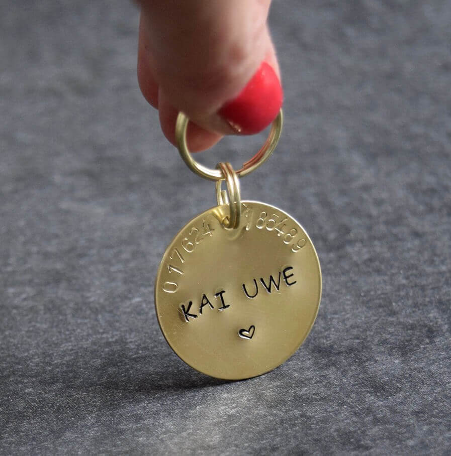dog id tag wit name